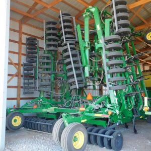 Lot 37: JD 1830 Hoe Drill & 1910 Aircart rear,10 in spc, 60ft., 270 bushel another view