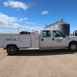 Lot 26: 1999 Ford F450 Truck w Service Bed