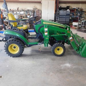 Lot 46: 2012 JD 1025R Utility Tractor with Loader side view