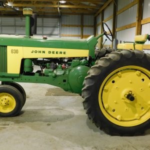 Lot 44: 1959 JD 630 Tractor
