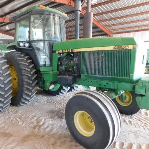 Lot 47: 1990 JD 4955 Tractor