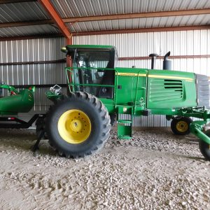 Lot 39: 2013 JD D450 Windrower/Swather