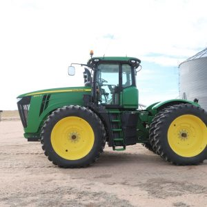 Lot 48: 2013 JD 9460R Tractor - GPS side view