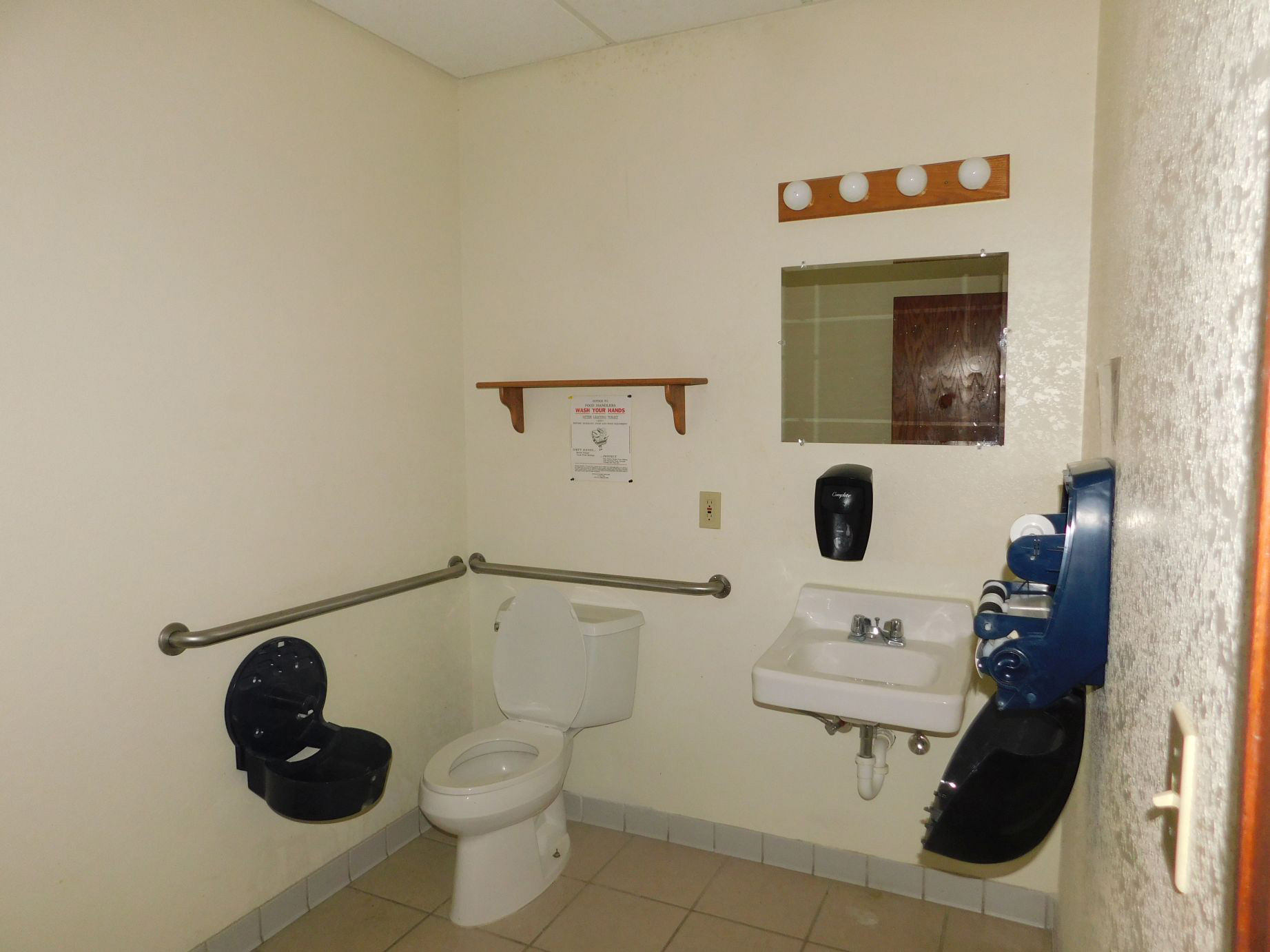 Parcel-3-handicap-bathroom.jpg